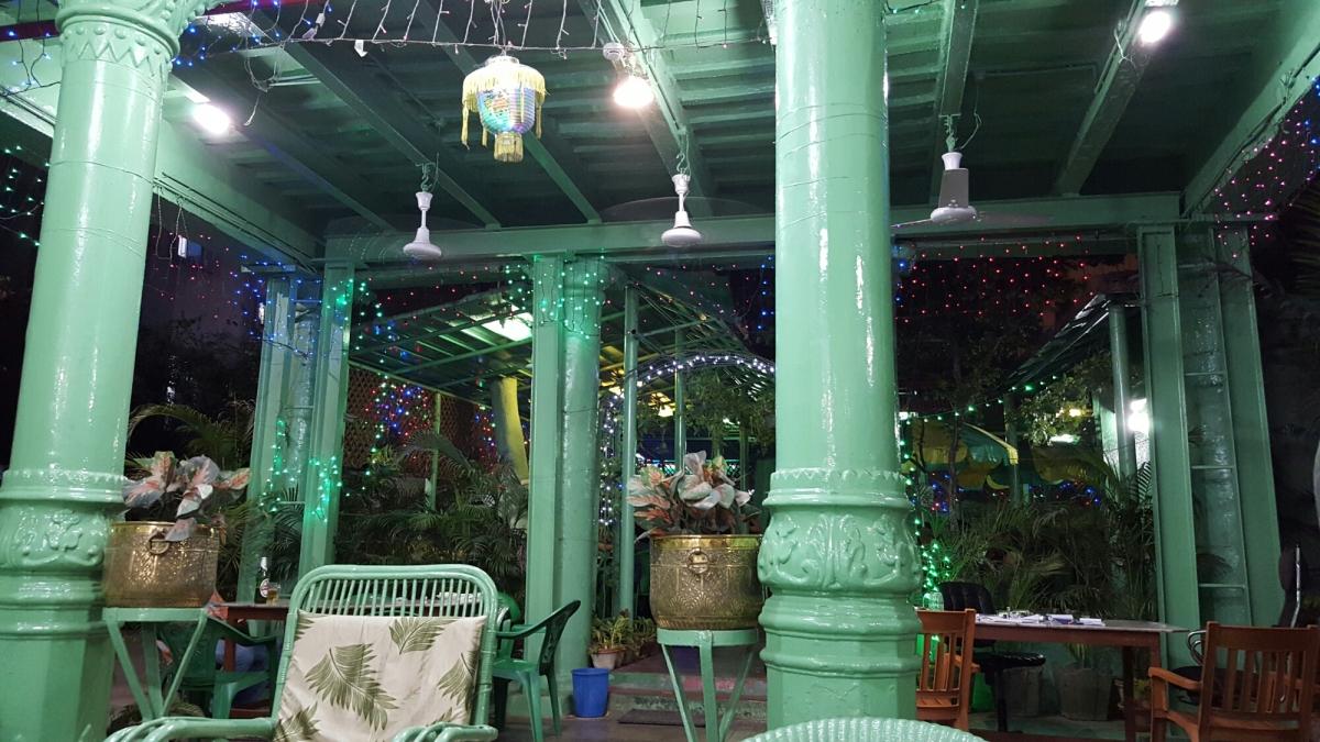 Kolkata: Remnants of the British Raj at the FairlawnHotel
