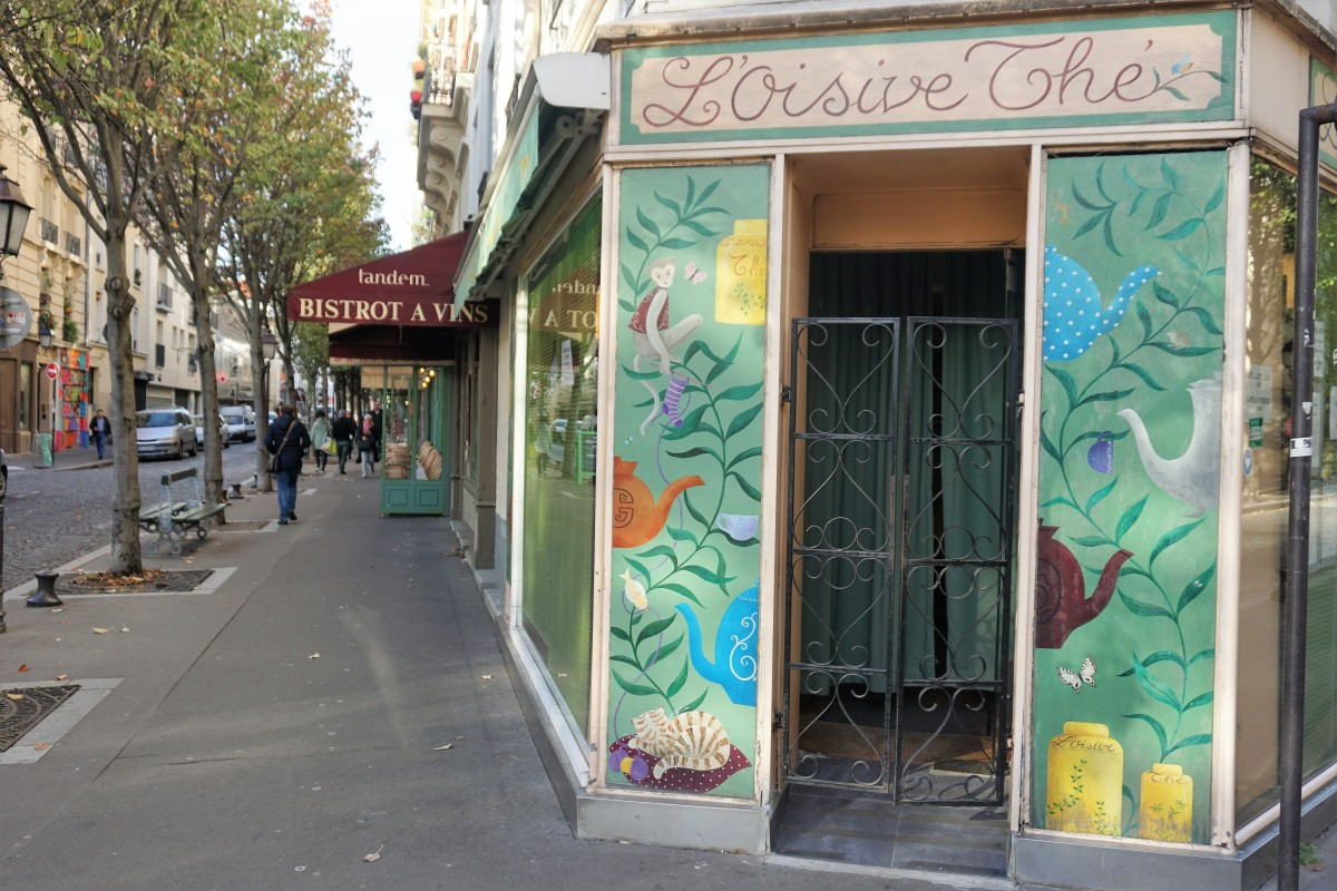 Paris: A Charming Knitting Cafe